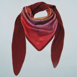 CASHMERE TRIANGLE | Beyond | col. rusty red