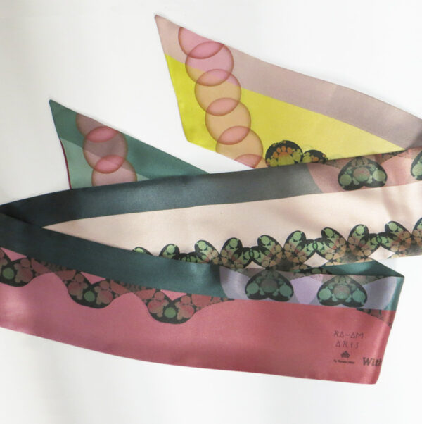 sleek-scarf-floating-mossy.jpg